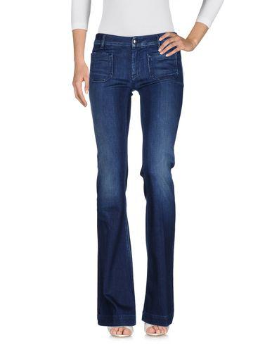 Фото - Джинсовые брюки от THE SEAFARER синего цвета