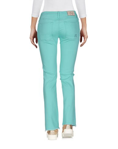 Фото 2 - Джинсовые брюки-капри светло-зеленого цвета