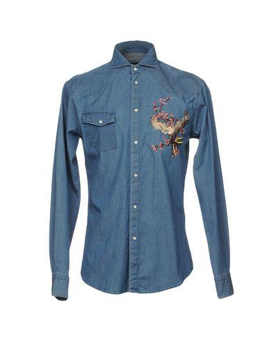 Фото - Джинсовая рубашка от BRIAN DALES синего цвета