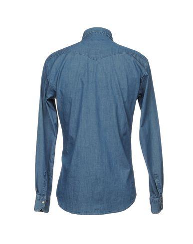 Фото 2 - Джинсовая рубашка от BRIAN DALES синего цвета