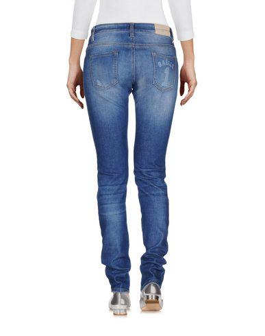 Фото 2 - Джинсовые брюки от GAëLLE Paris синего цвета
