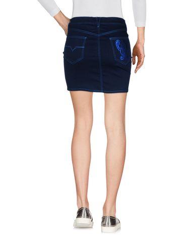 Фото 2 - Джинсовая юбка темно-синего цвета