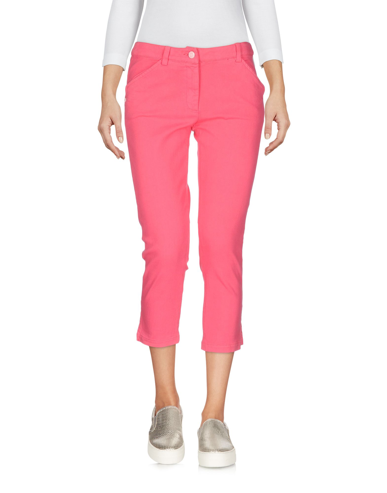 цена JUST CAVALLI Джинсовые брюки-капри онлайн в 2017 году
