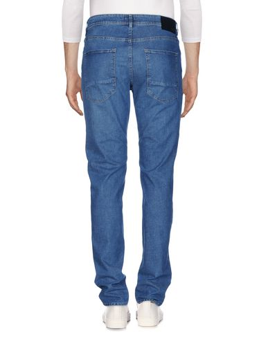 Фото 2 - Джинсовые брюки от BOSS BLACK синего цвета