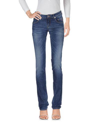Фото - Джинсовые брюки от SIVIGLIA синего цвета