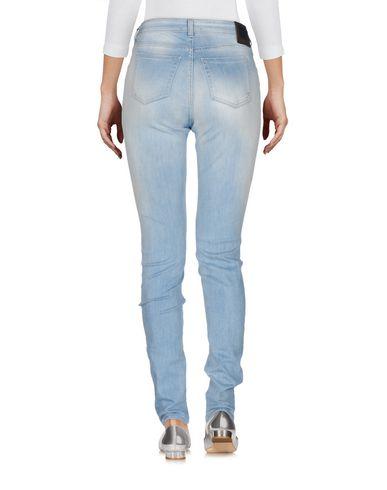Фото 2 - Джинсовые брюки от FAY синего цвета