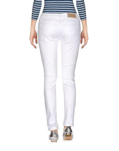 Фото 2 - Джинсовые брюки от SUERTE белого цвета