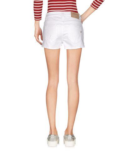 Фото 2 - Джинсовые шорты белого цвета