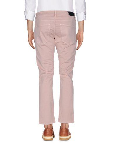 Фото 2 - Повседневные брюки от GUNS DISARMED пастельно-розового цвета