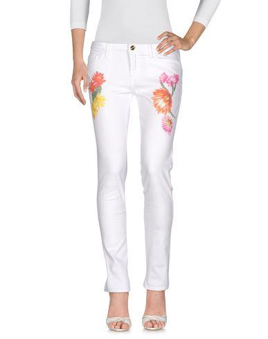 Фото - Джинсовые брюки от BLUGIRL JEANS белого цвета