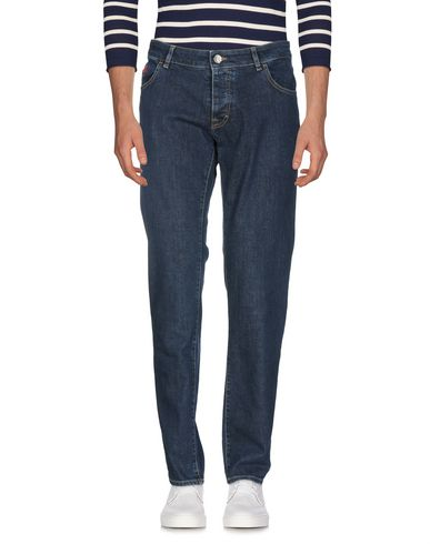 Джинсовые брюки.