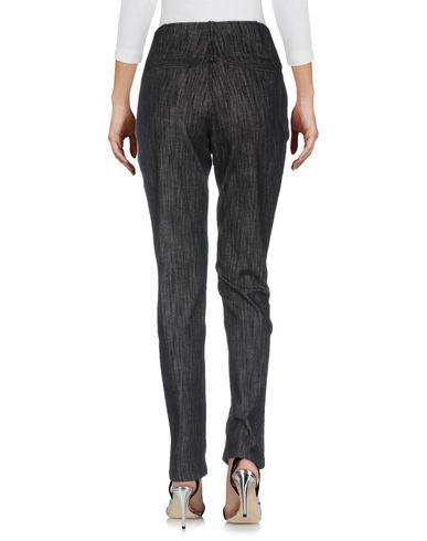 Фото 2 - Джинсовые брюки от MOMONÍ черного цвета