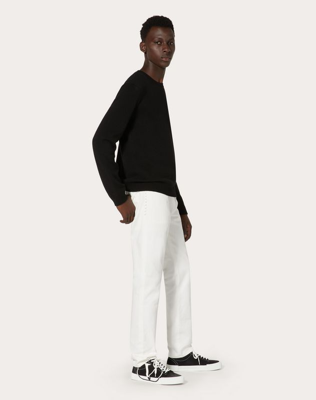 ROCKSTUD UNTITLED JEANS WITH CHINOS FIT