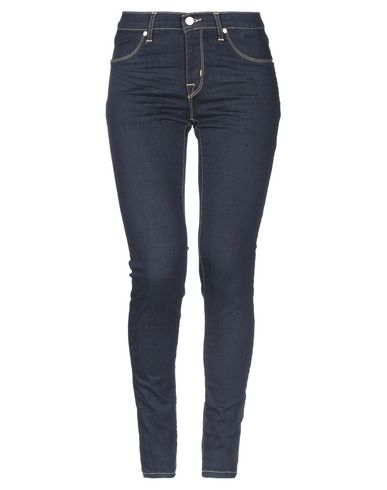 Фото - Джинсовые брюки от BRIAN DALES синего цвета