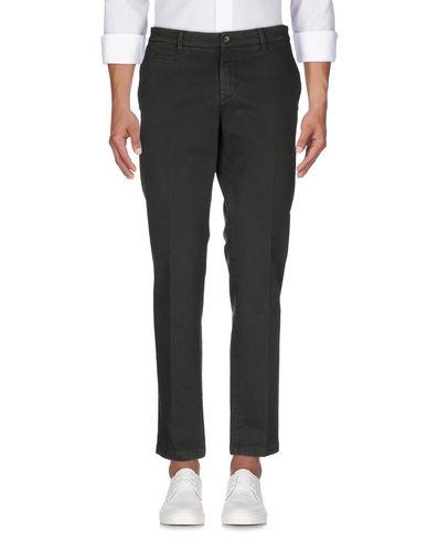 Фото 2 - Джинсовые брюки от C+ PLUS темно-зеленого цвета