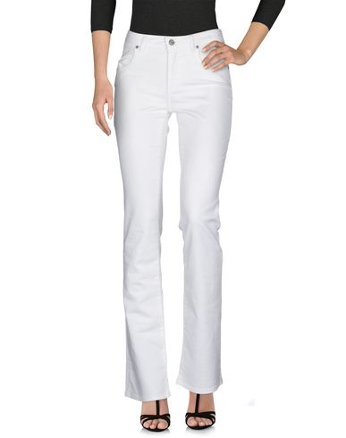 Фото 2 - Джинсовые брюки от SIVIGLIA белого цвета