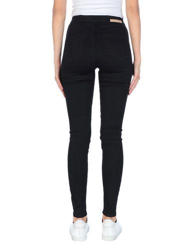 Фото 2 - Джинсовые брюки от LOST INK черного цвета