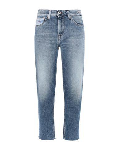 Фото - Джинсовые брюки от TOMMY JEANS синего цвета