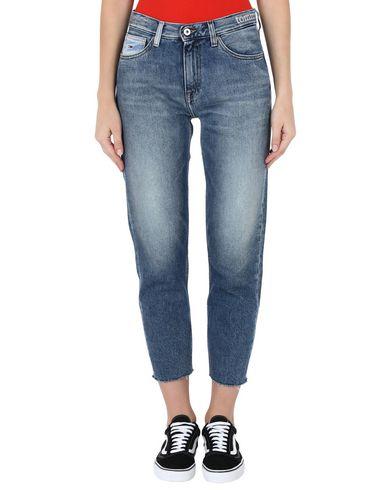 Фото 2 - Джинсовые брюки от TOMMY JEANS синего цвета