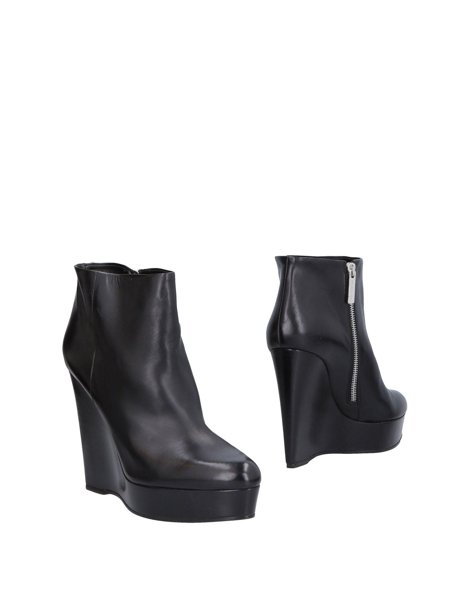 MICHAEL KORS Полусапоги и высокие ботинки ботинки michael michael kors 40f7cdmb9l 001 black