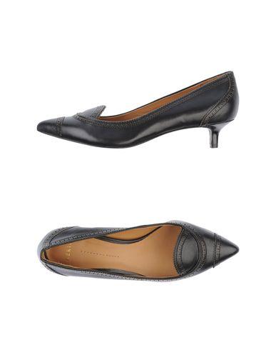 Туфли от AERIN