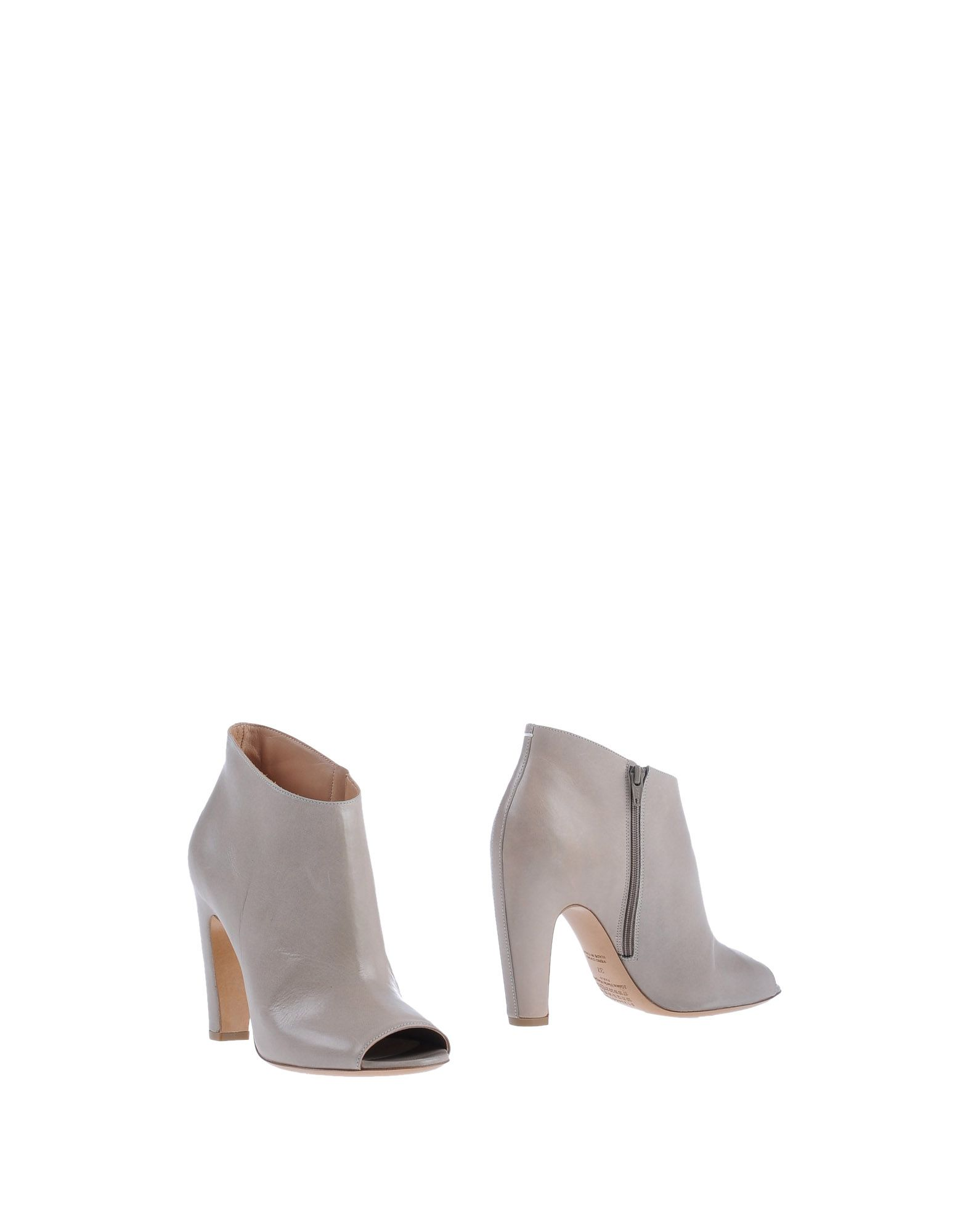 MAISON MARGIELA Booties. no appliqués, solid color, zip closure, open toe, leather sole, covered heel. Soft Leather