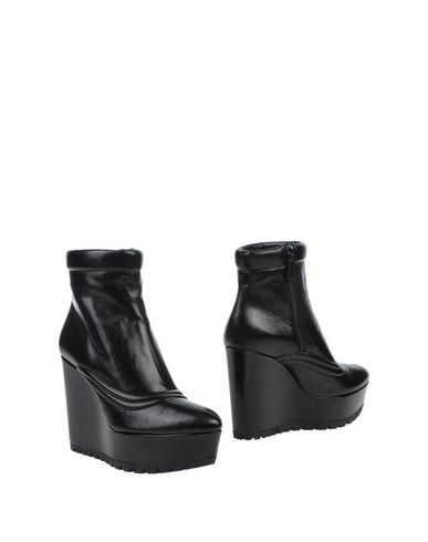 zapatillas PRADA Botines de ca?a alta mujer