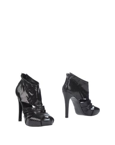 Foto LALTRAMODA Ankle boot donna Ankle boots