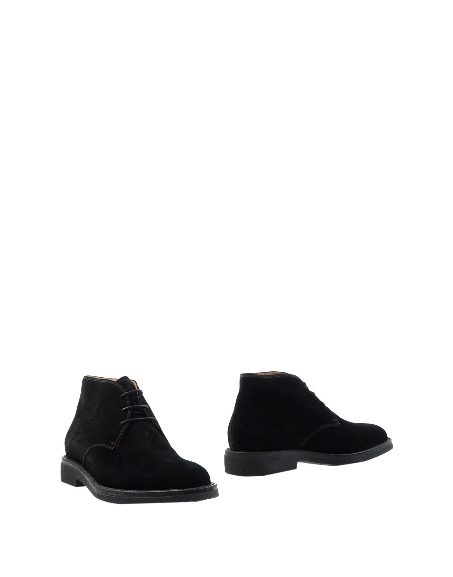 BARRETT Boots in Black