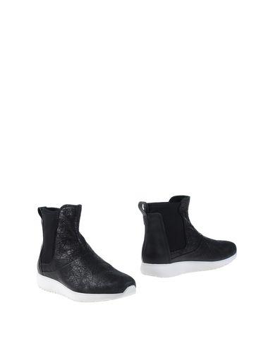 Полусапоги и высокие ботинки от ANDÌA FORA