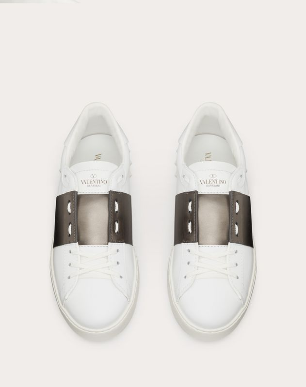 OPEN SNEAKER WITH METALLIC BAND