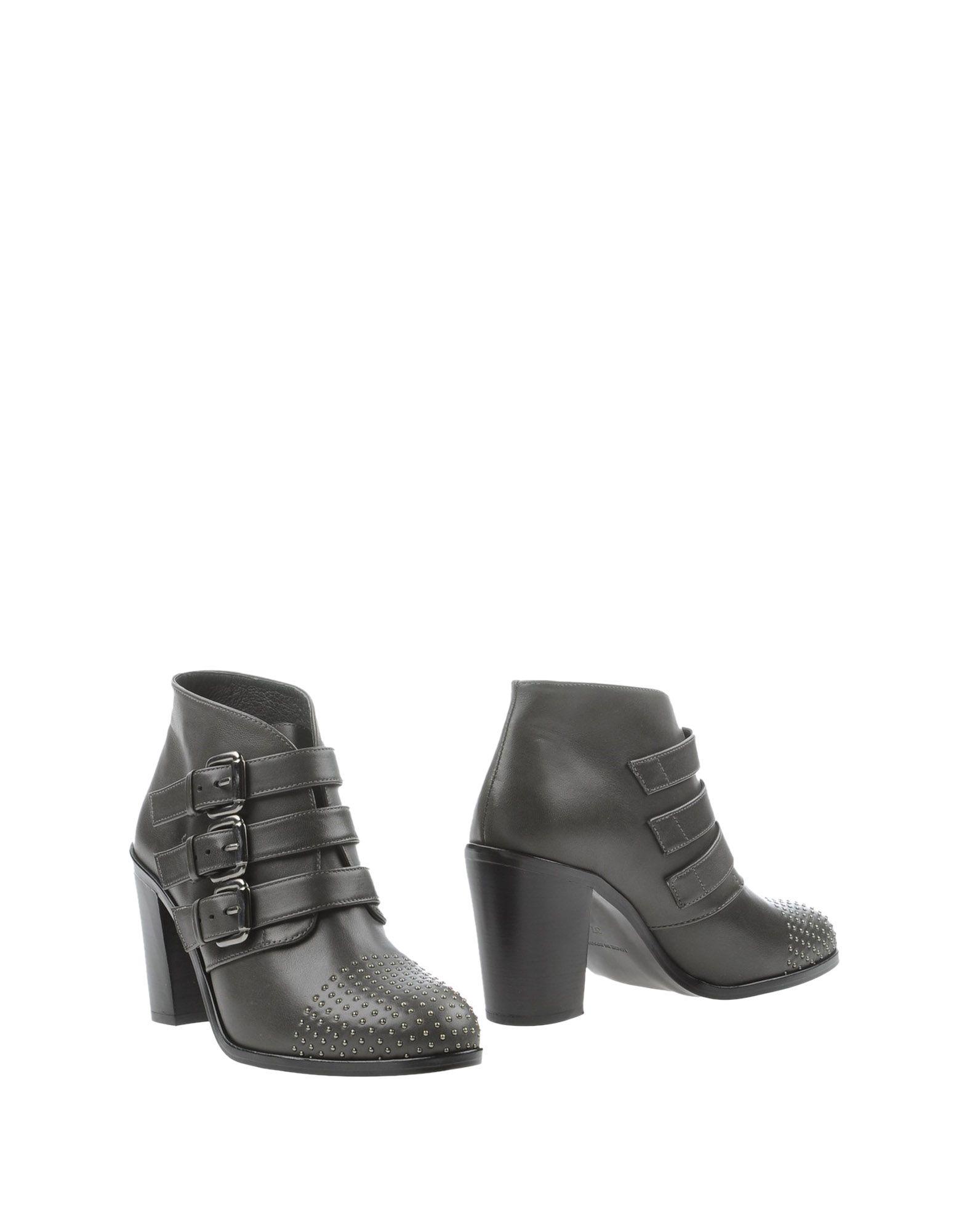 SI by SINELA Полусапоги и высокие ботинки
