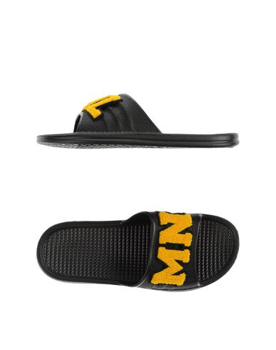 Foto MNML COUTURE Pantofole uomo