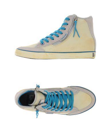 Foto LAMBRETTA Sneakers & Tennis shoes alte donna