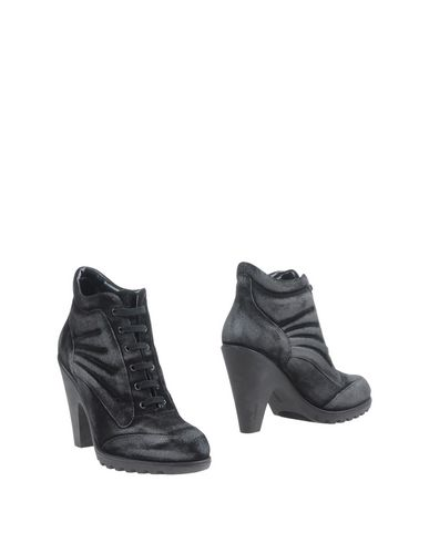 Foto HOGAN by KARL LAGERFELD Ankle boot donna Ankle boots