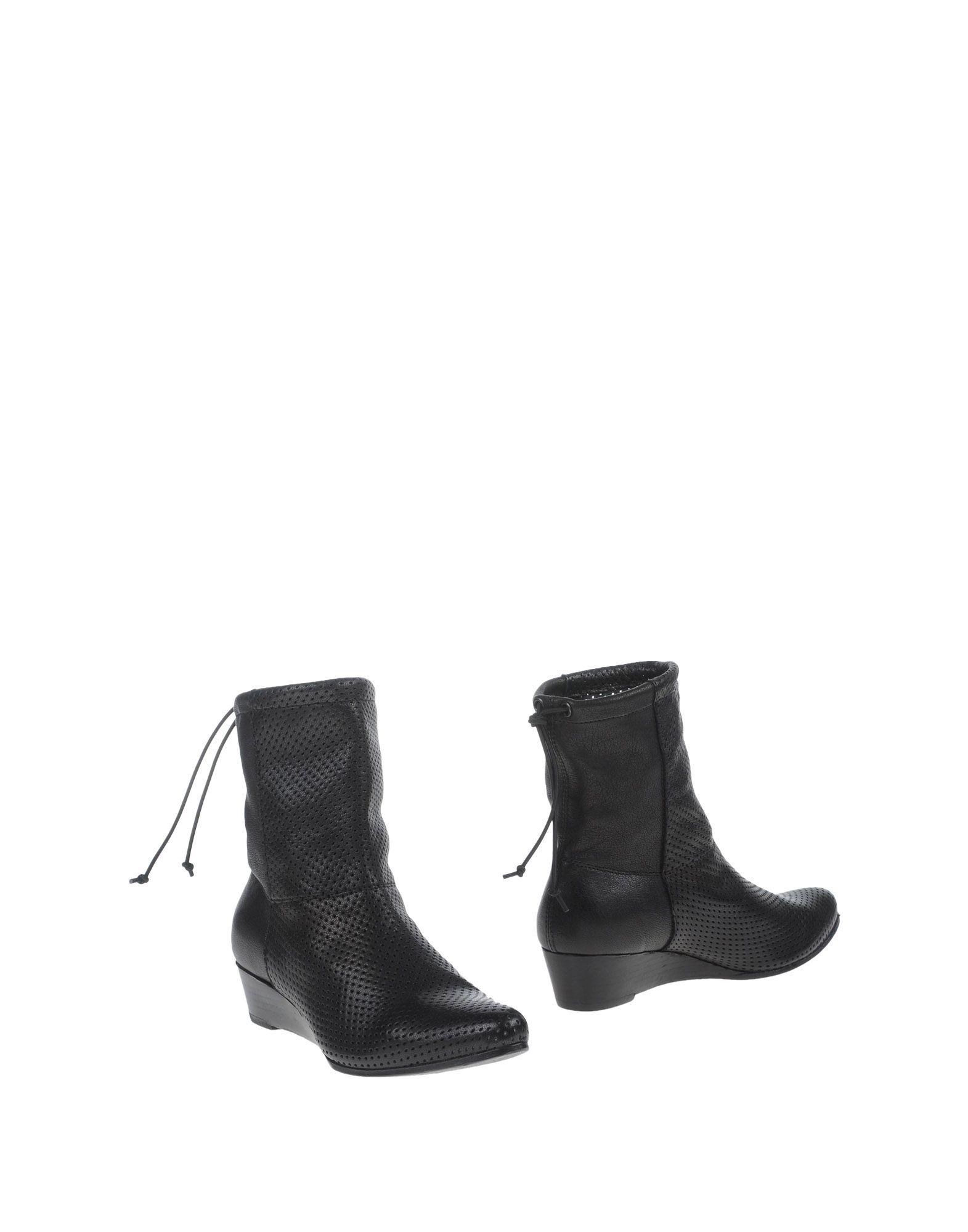 LEMARÉ Полусапоги и высокие ботинки ботинки swims ботинки без каблука