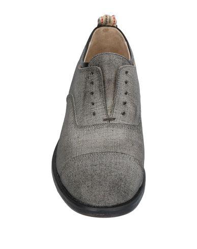 Фото 2 - Обувь на шнурках серого цвета