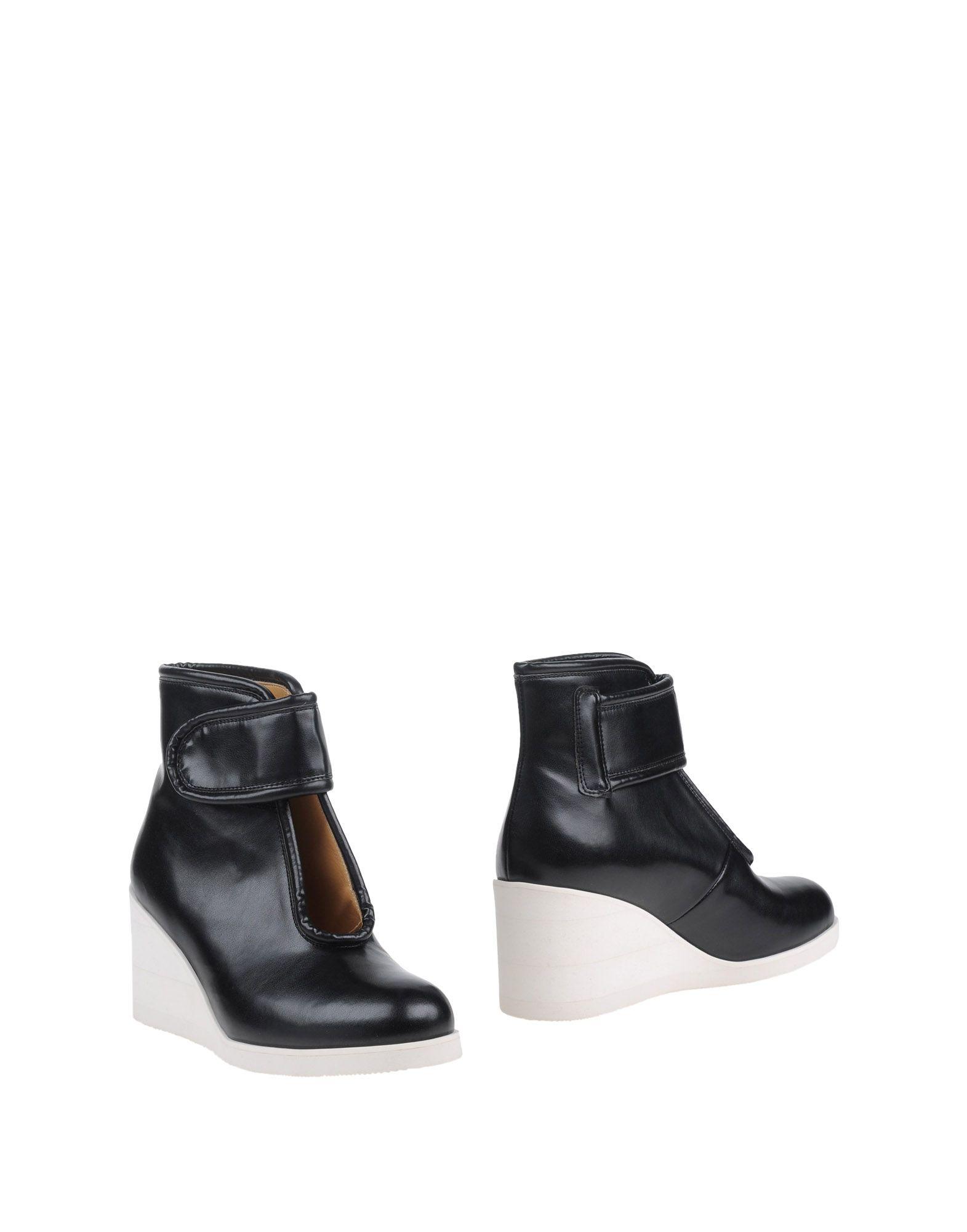 купить MM6 MAISON MARGIELA Полусапоги и высокие ботинки дешево