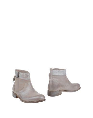 Фото - Полусапоги и высокие ботинки от KEB цвет голубиный серый