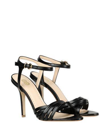 Фото 2 - Женские сандали 8 черного цвета