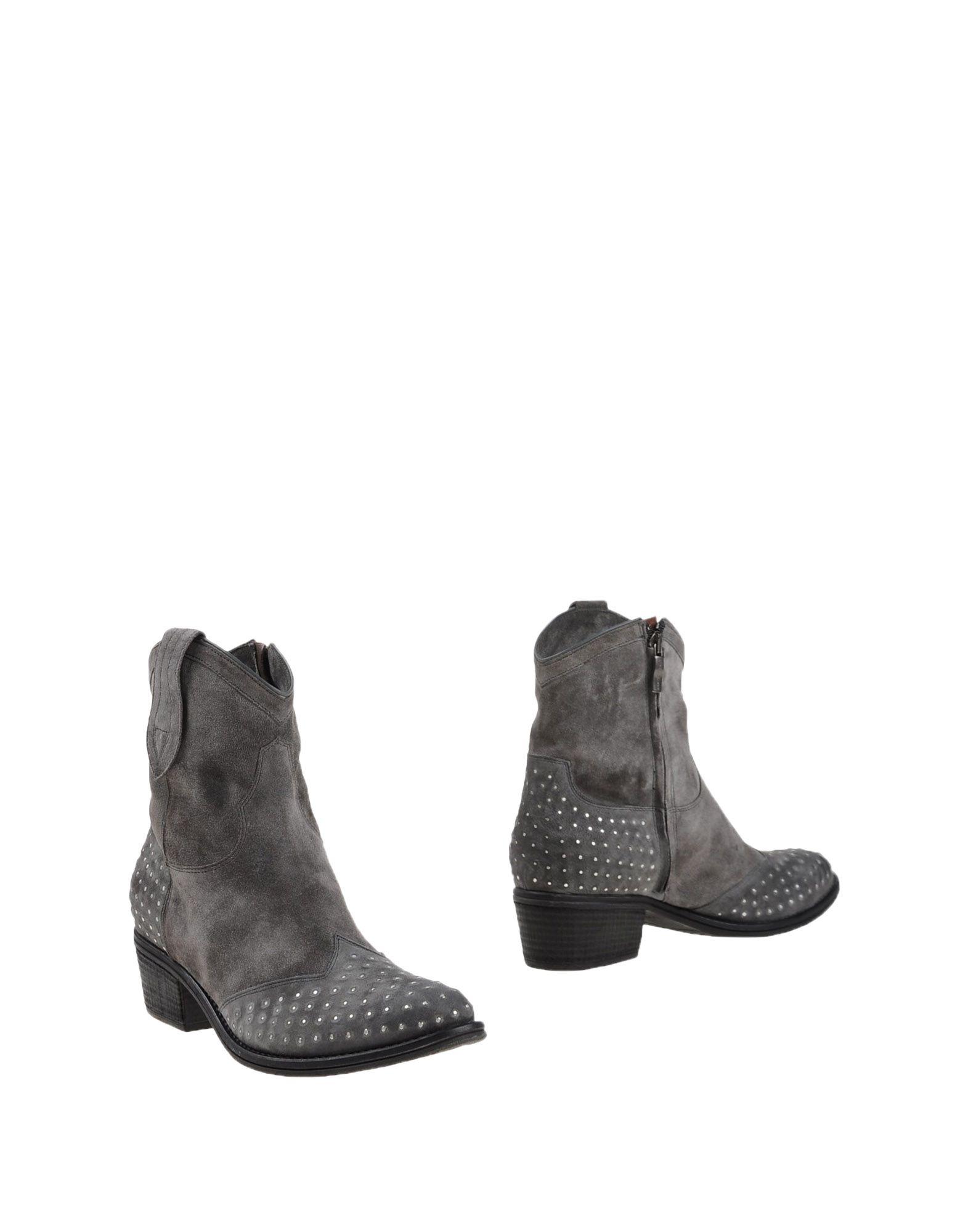 JANET & JANET Полусапоги и высокие ботинки janet wolff resident alien