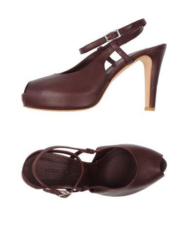 Фото - Женские сандали ROBERTO DEL CARLO цвет какао
