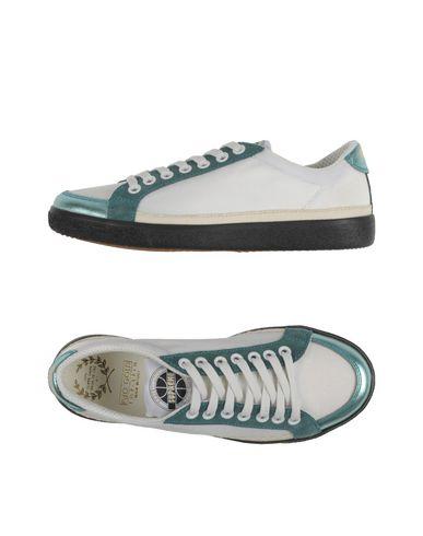 Низкие кеды и кроссовки PANTOFOLA D'ORO 44988026AN