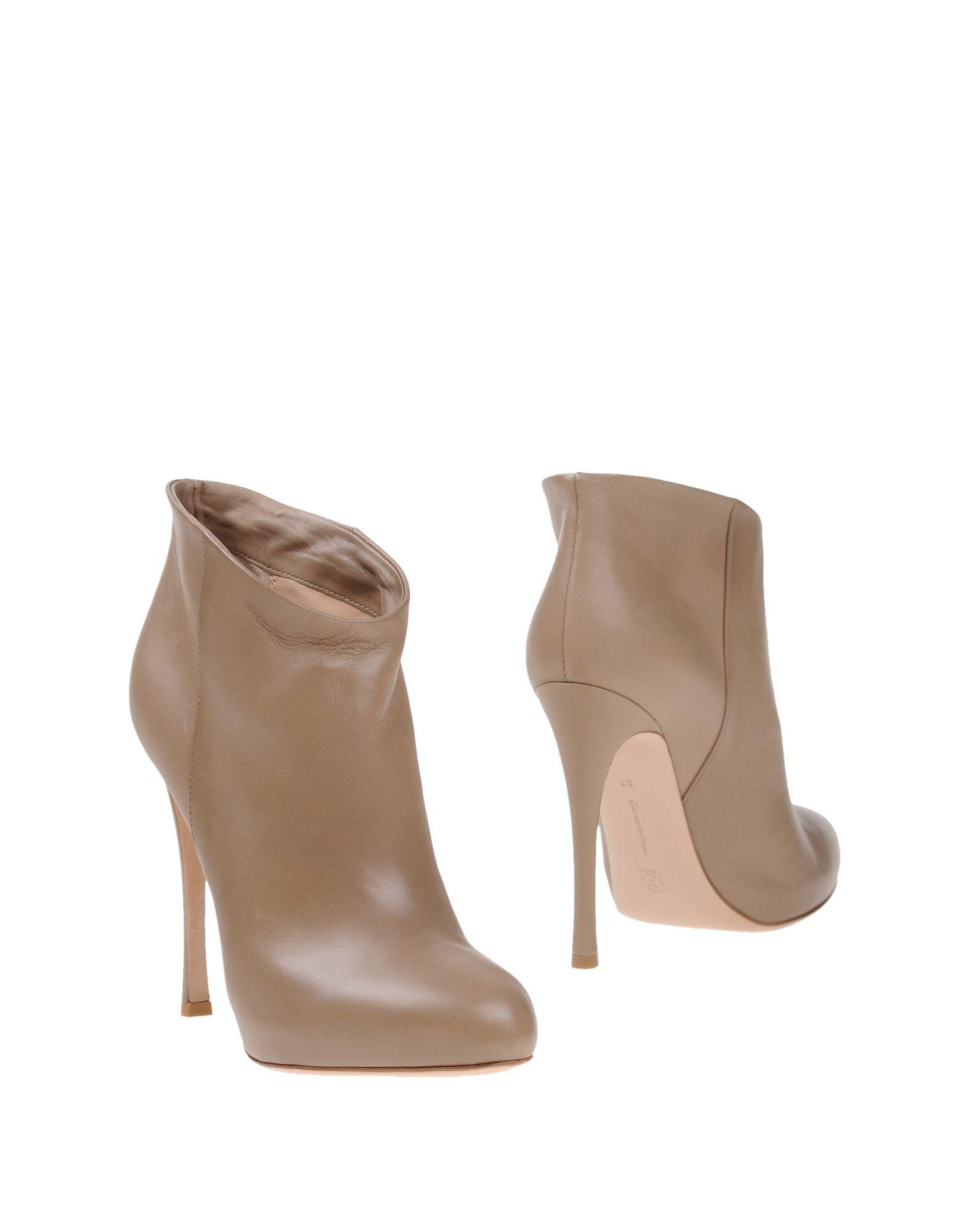 цены GIANVITO ROSSI Полусапоги и высокие ботинки