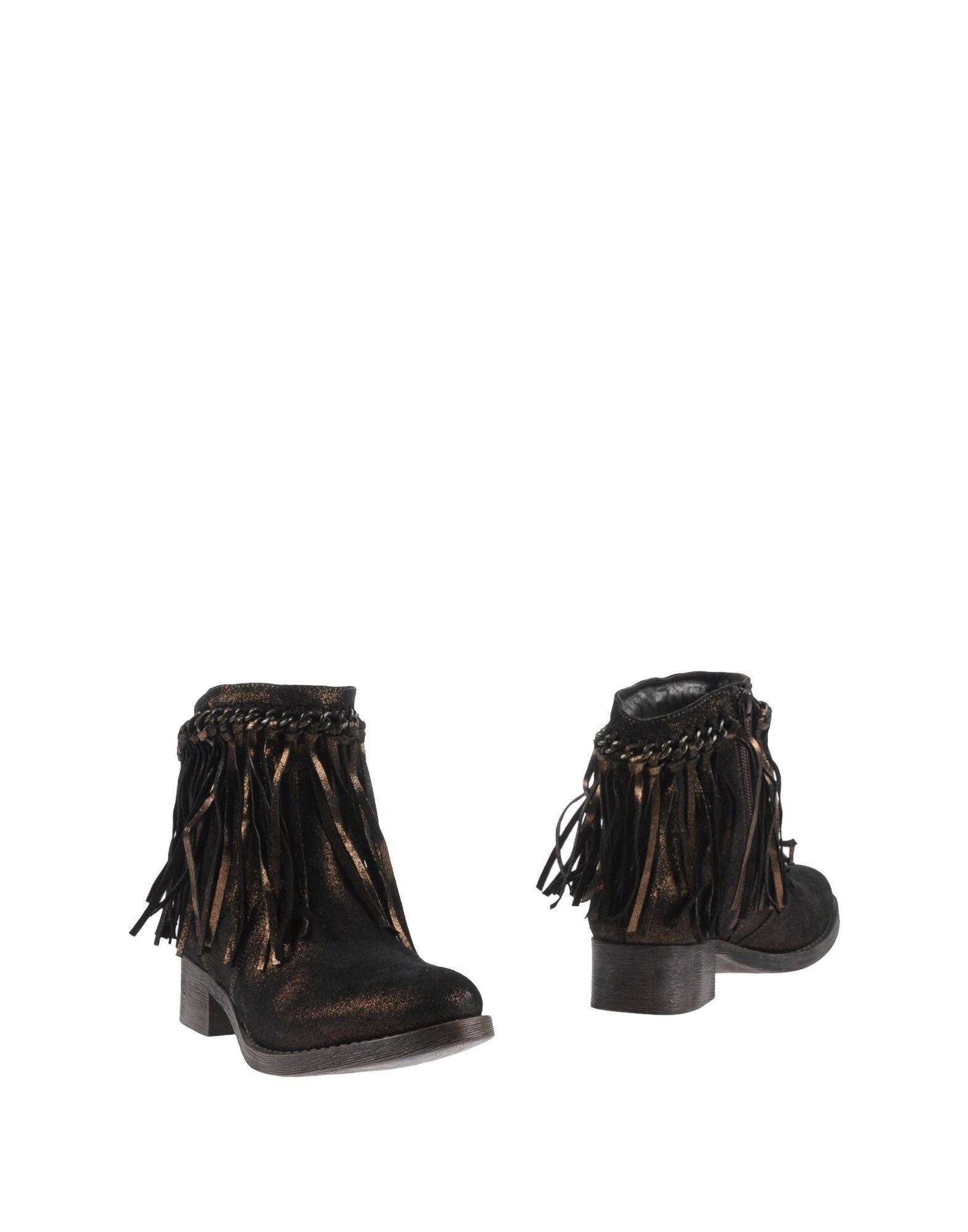 LOLA CRUZ Полусапоги и высокие ботинки
