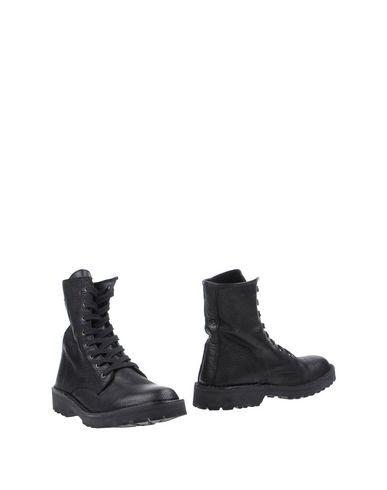 Полусапоги и высокие ботинки от RUCO LINE