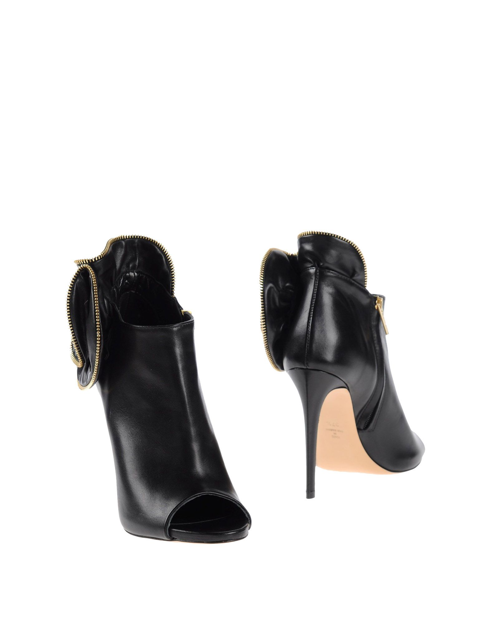 NINALILOU Ankle Boot in Black