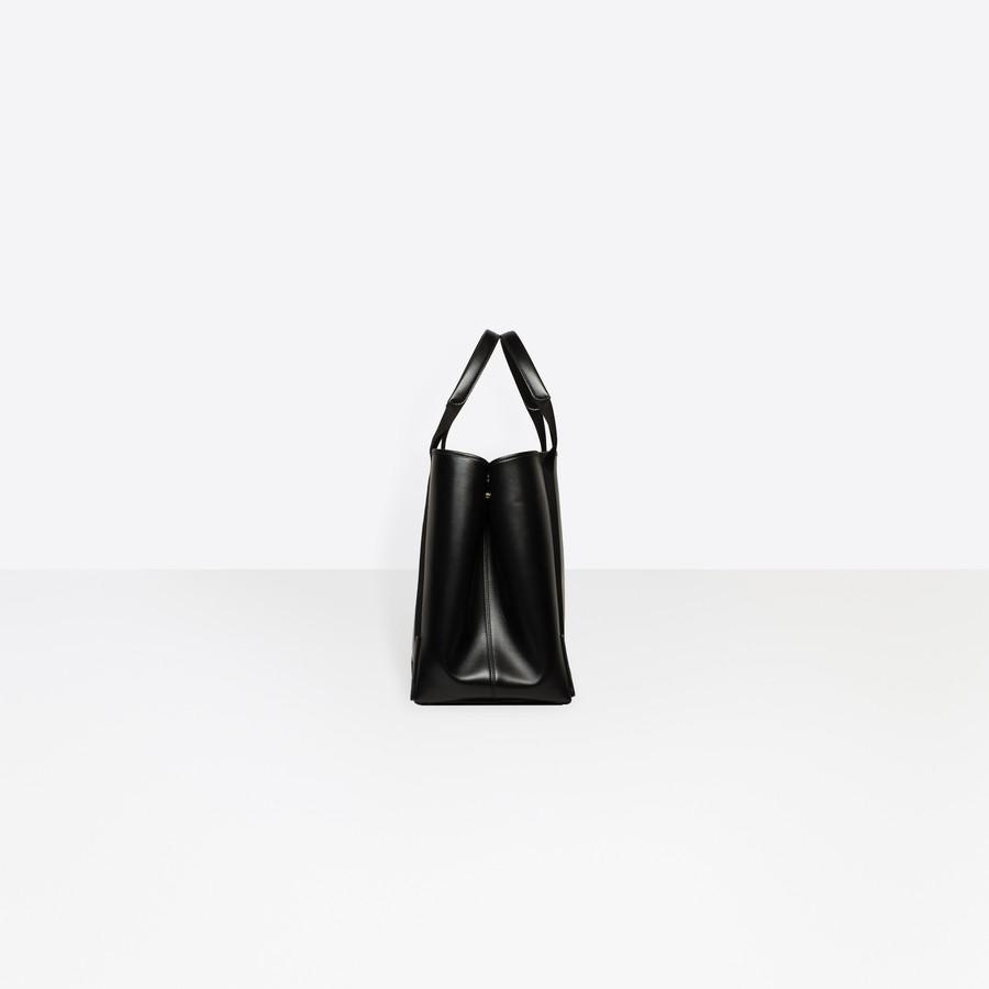 BALENCIAGA Leather Navy Cabas M Navy Handbag D i