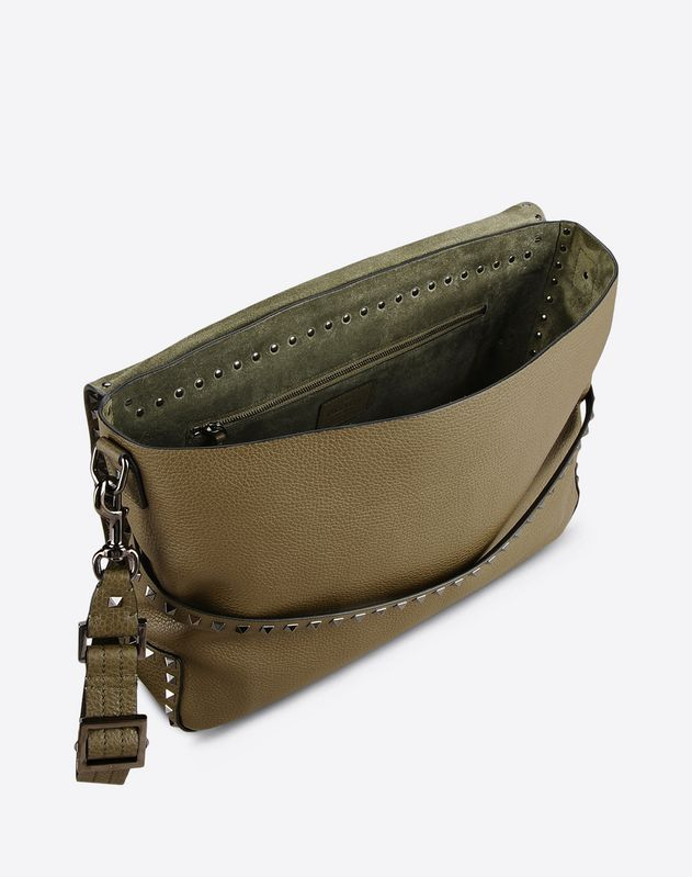 GRAIN CALFSKIN LEATHER ROCKSTUD MESSENGER BAG