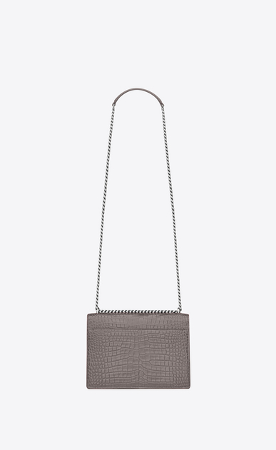 SAINT LAURENT Sunset Femme sac medium sunset en cuir brillant embossé façon crocodile gris brouillard b_V4